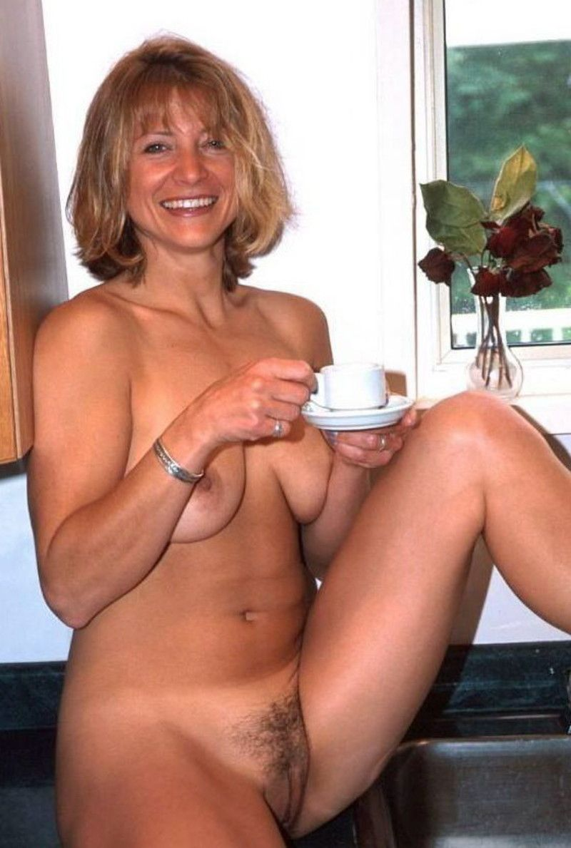 Mature nude in casa pichs aside! There
