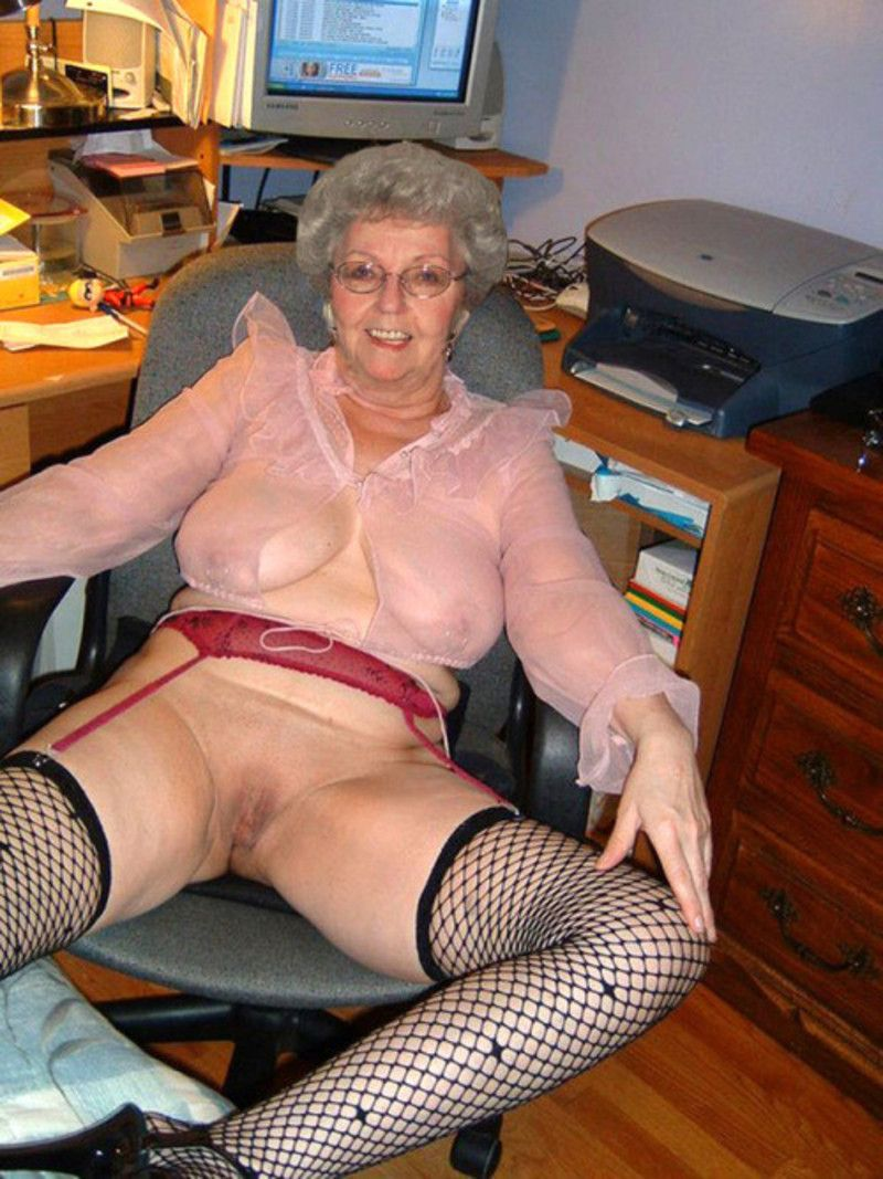 pale spanish women nude